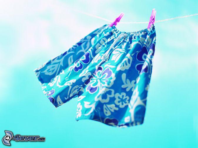 underkläder på klädstreck