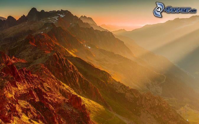 Alperna, solstrålar