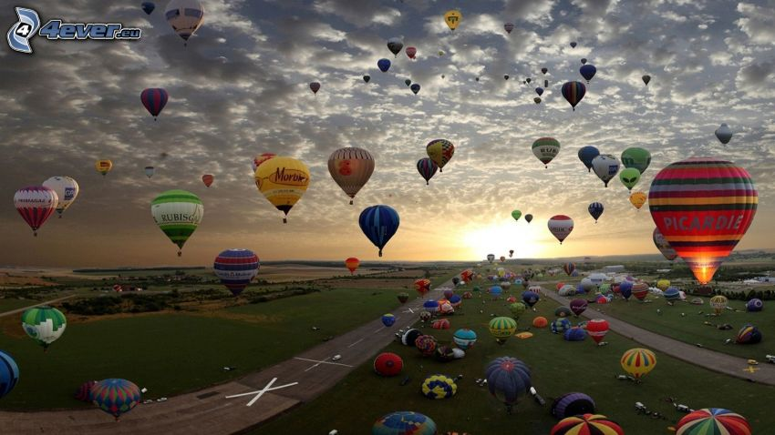 varmluftsballonger, flygplats, solnedgång