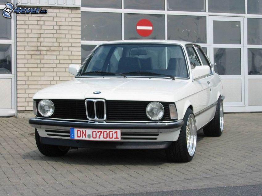 BMW E21, fönster, mur