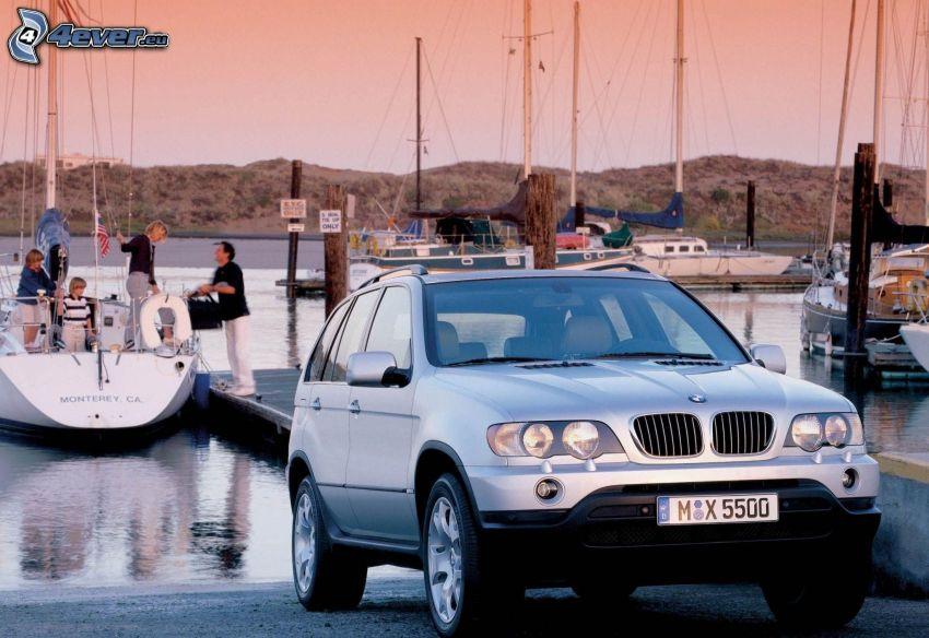 BMW X5, hamn