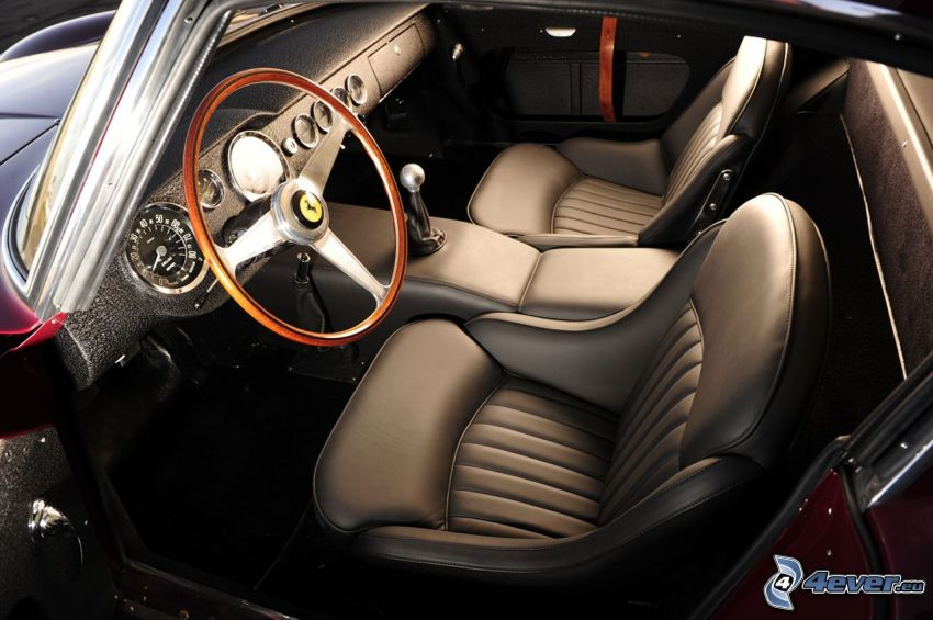 Ferrari 250 GT, interiör