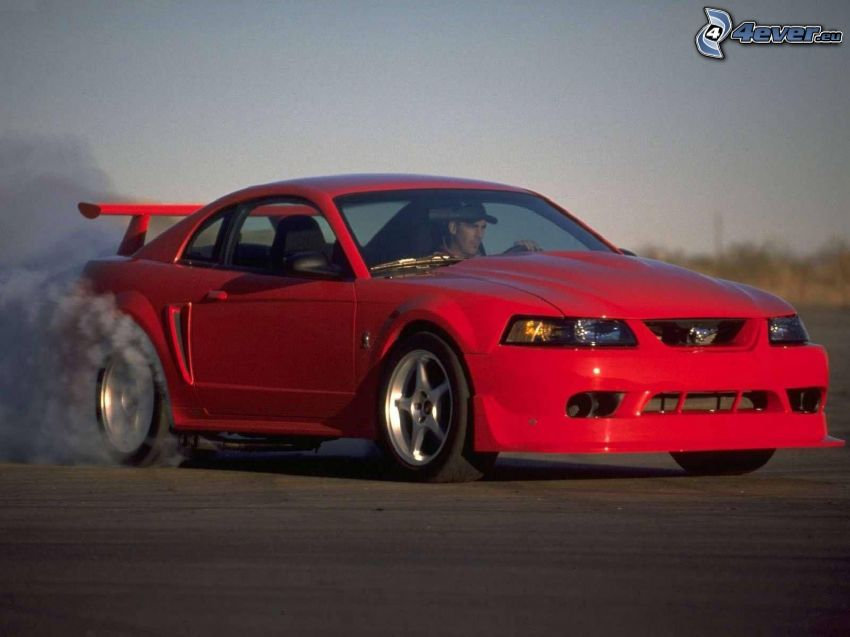 Ford Mustang SVT Cobra, burnout, rök