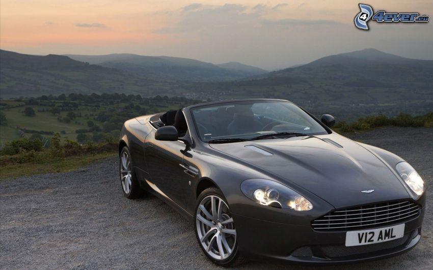 Aston Martin DB9, cabriolet, utsikt över landskap