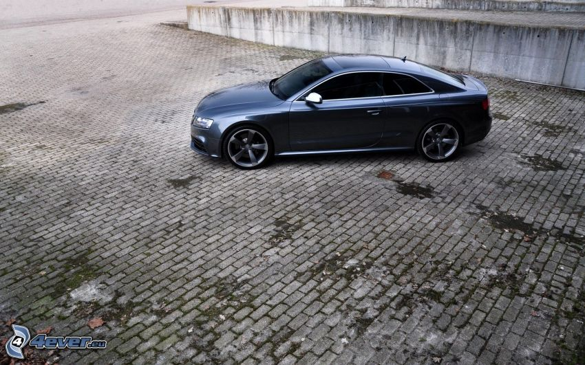 Audi A5, beläggning