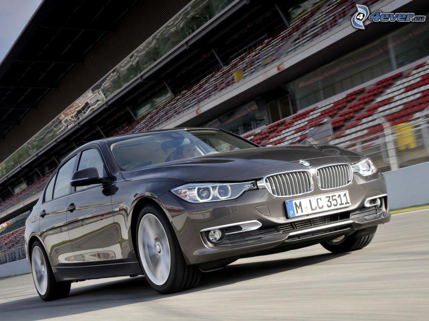 BMW 328i, lopp, fart