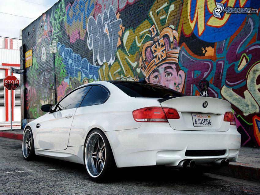 BMW E92, graffiti