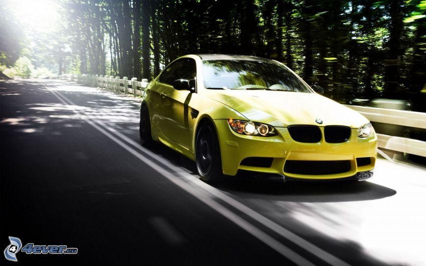 BMW M3, skogsväg, solsken