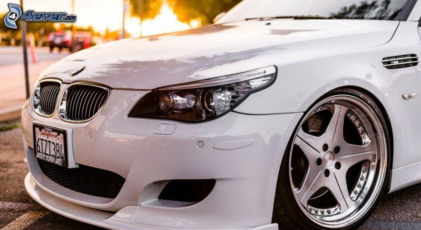 BMW M5, frontgaller