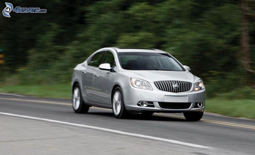 Buick Verano, fart, väg
