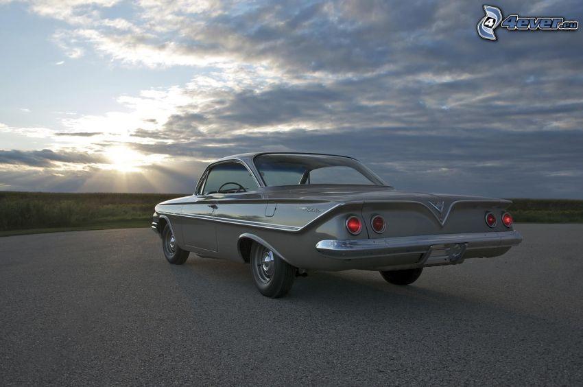 Chevrolet, veteran, solstrålar bakom moln