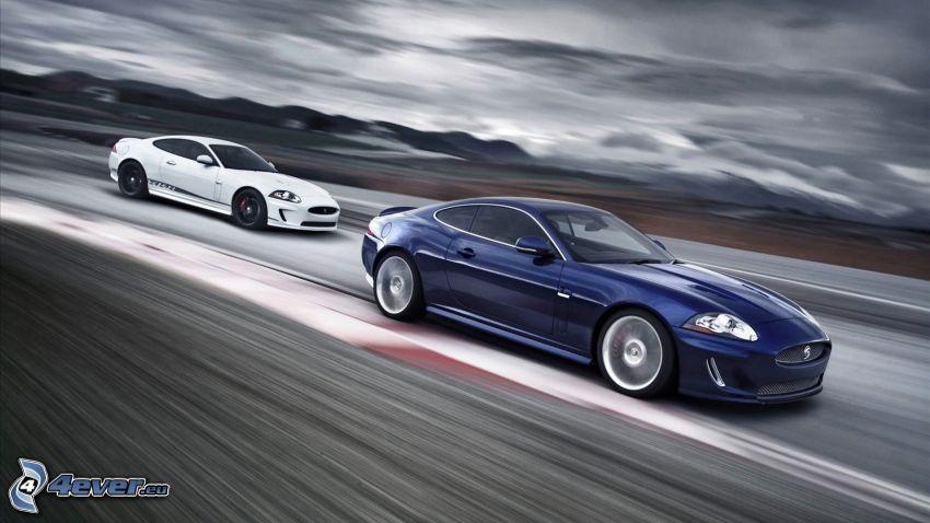 Jaguar XKR, fart