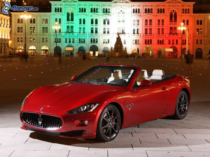 Maserati GranCabrio, torg