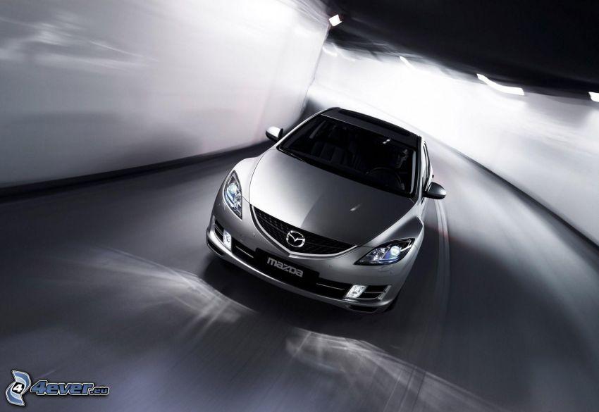 Mazda 6, tunnel, fart