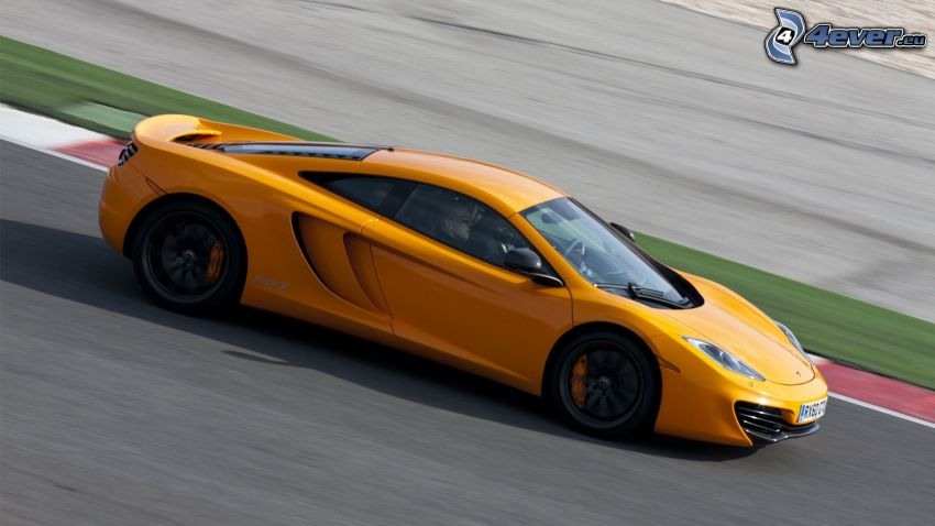 McLaren MP4-12C, racerbana