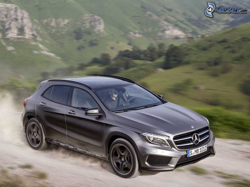 Mercedes-Benz GLA, fart, damm