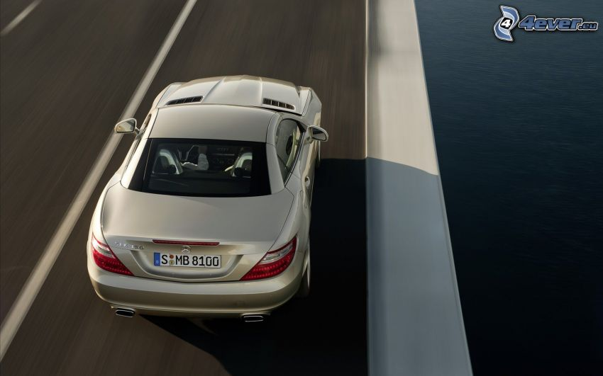 Mercedes-Benz SLK, väg
