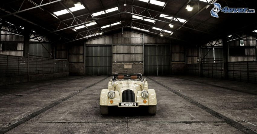 Morgan Roadster, veteran, cabriolet, garage