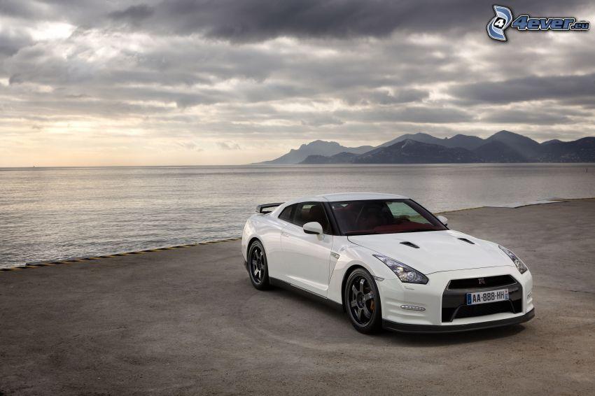 Nissan GT-R, hav, kullar