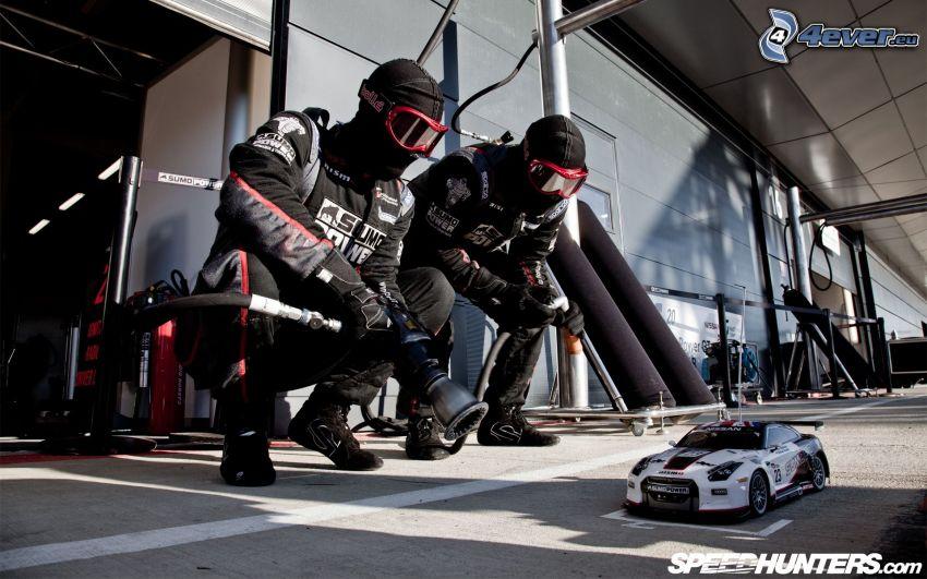 Nissan GT-R, model, män