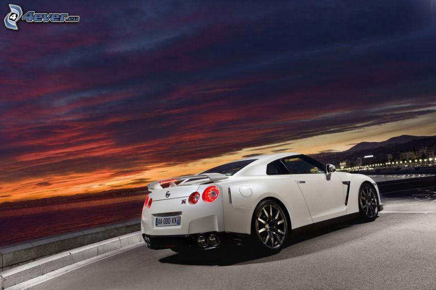Nissan GT-R, natt