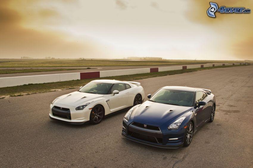 Nissan GT-R, väg