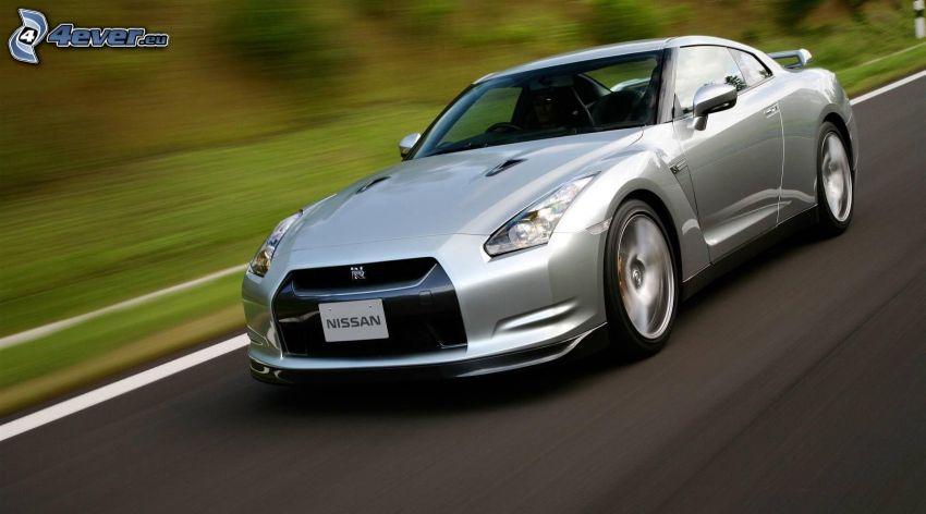 Nissan GTR, fart
