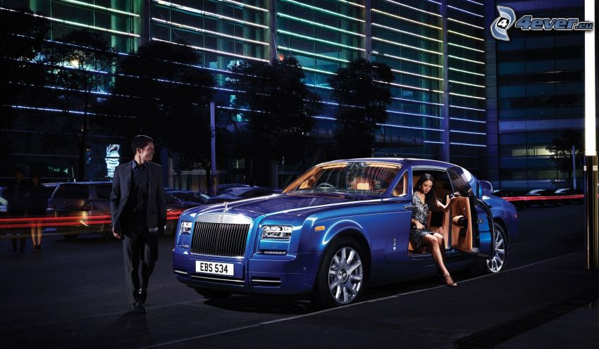 Rolls Royce Phantom, kvinna, man, gata, kväll