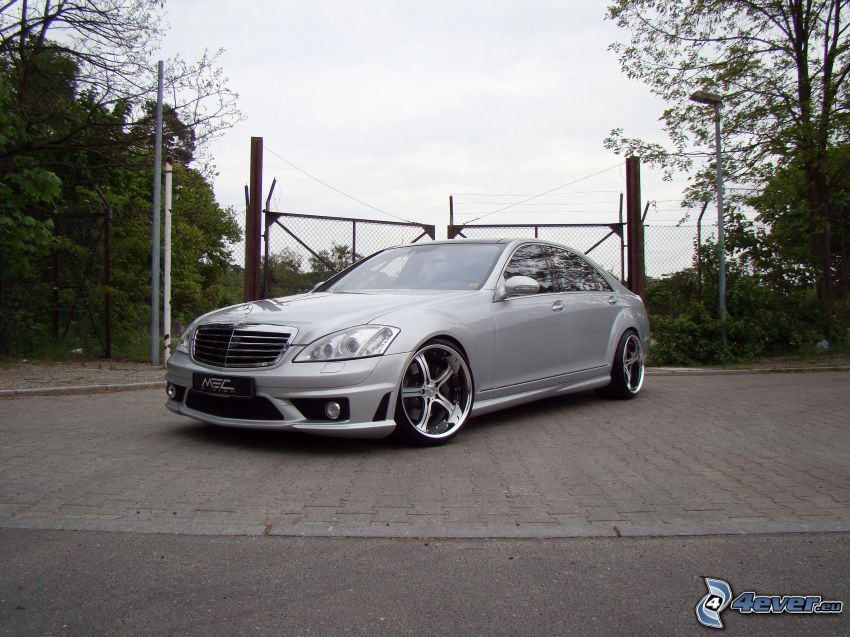 Mercedes CLS 63 AMG, staket
