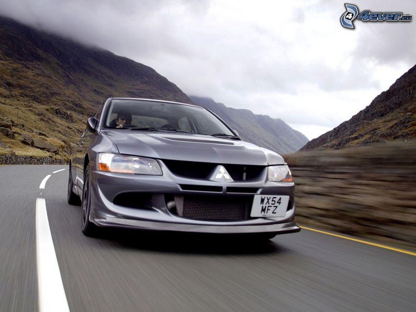 Mitsubishi Lancer Evolution, fart, väg, kullar