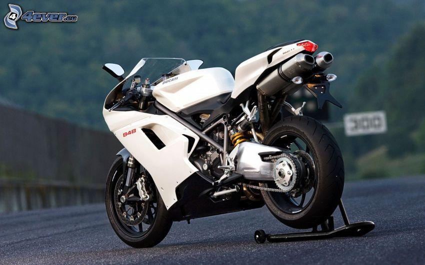 Ducati, motorcykel