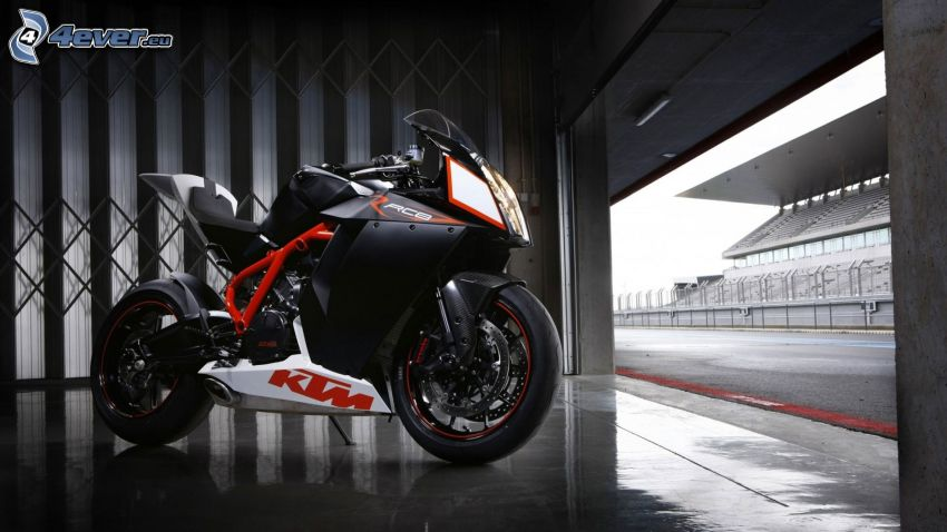 KTM RC8, garage, tribun