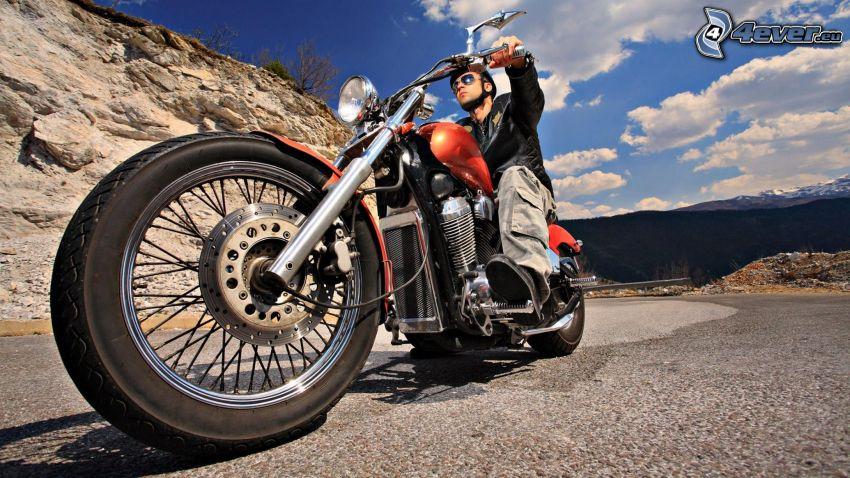 motorcykel, motorcykelförare, klippa, väg, moln, himmel