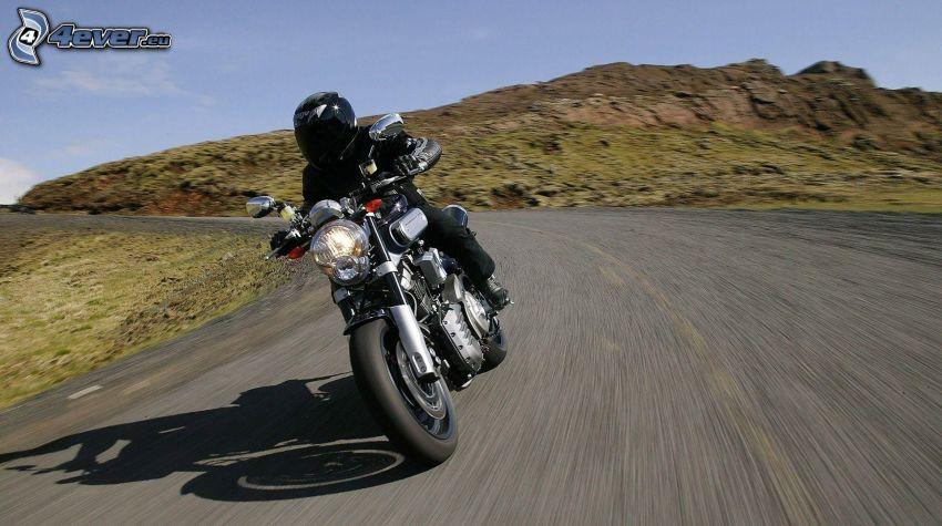 motorcykelförare, fart