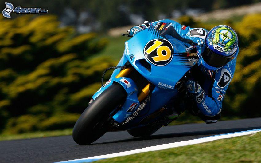 Suzuki, motorcykelförare, fart