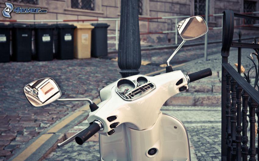 Vespa, sparkcykel, backspegel