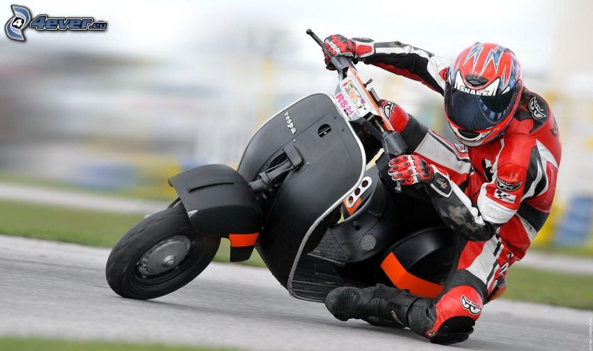 Vespa, sparkcykel, motorcykelförare, fart
