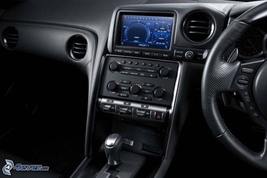 Nissan GT-R, interiör