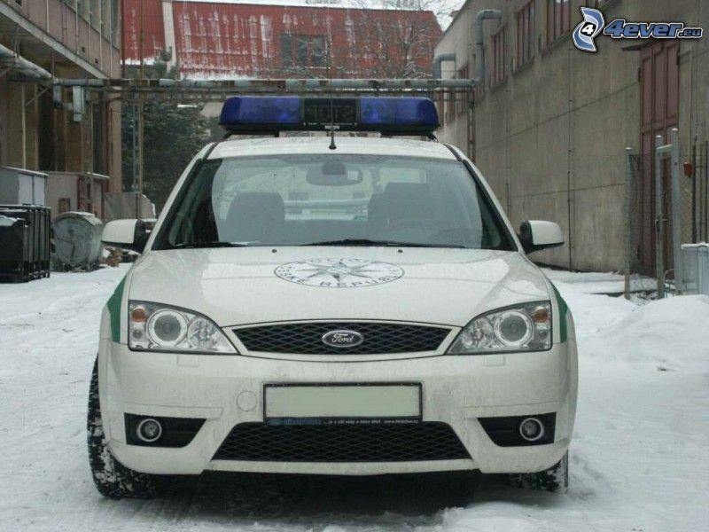 polis, Ford Mondeo, snö, fabrik