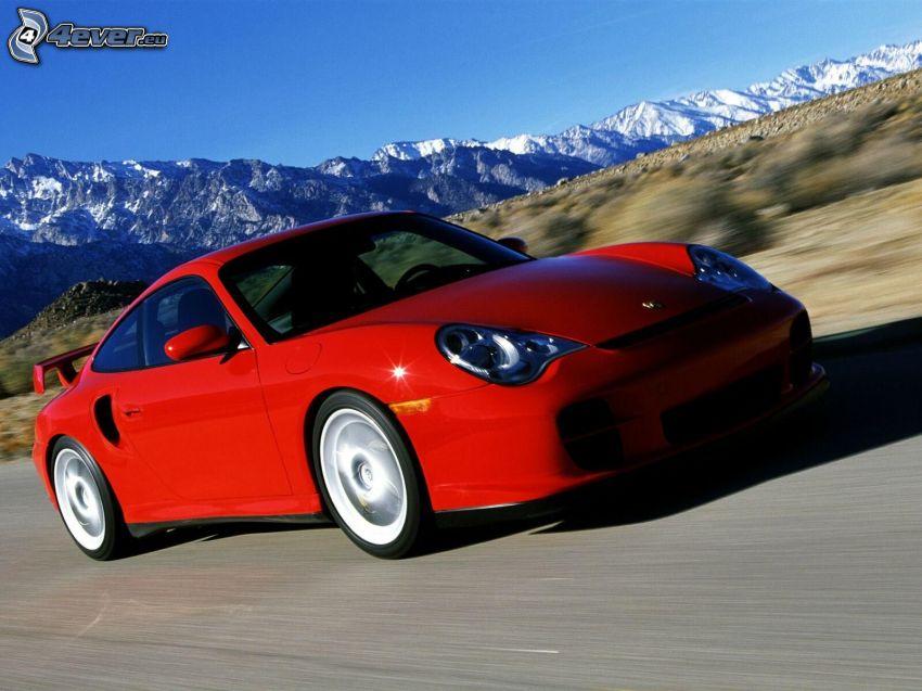 Porsche 911, fart, snöiga kullar