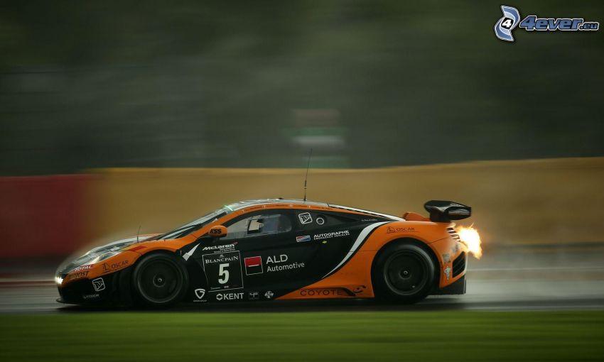 McLaren F1, fart, flamma, rök