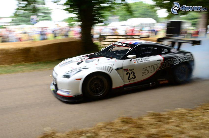 Nissan GT-R, rök, rally