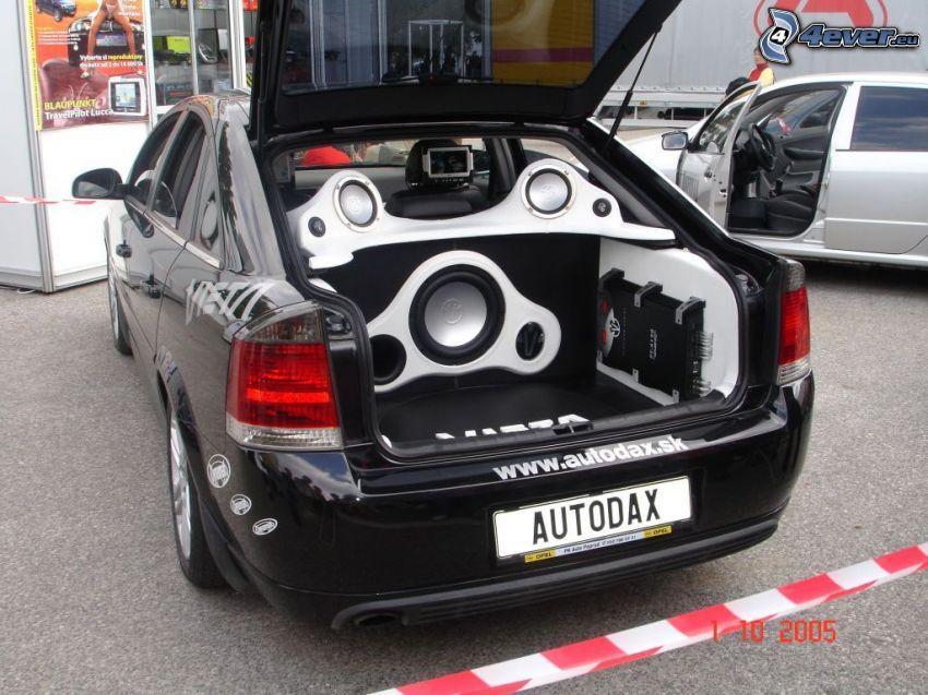 Opel Vectra, högtalare, tuning, autodax