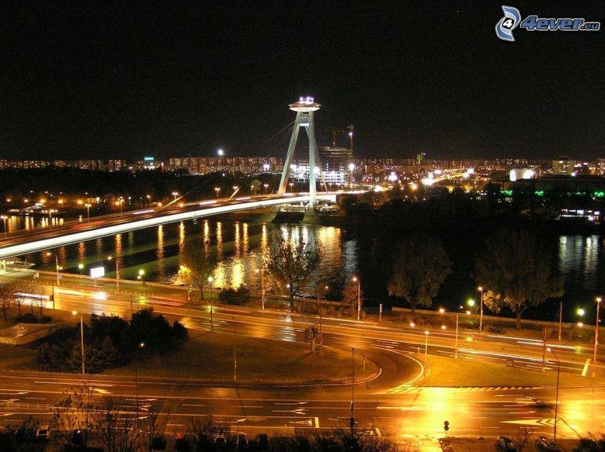 Bratislava på natten, Nový Most, Donau, nattstad