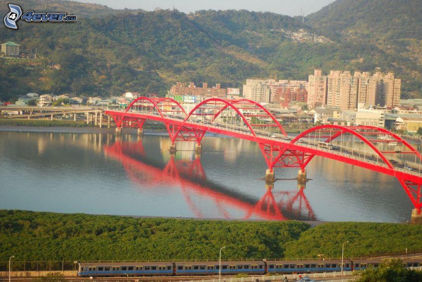 Guandu Bridge, Taiwan, bergskedja, spegling
