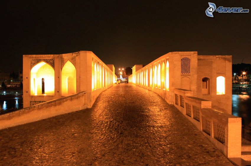 Khaju Bridge, trottoar, upplyst bro, natt