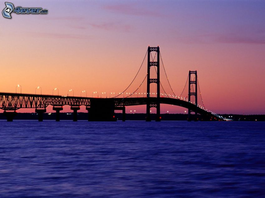 Mackinac Bridge, silhuett, upplyst bro, kväll, orange himmel
