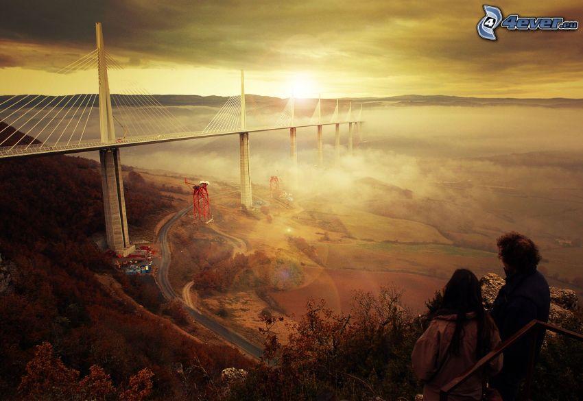 Millau Viaduct i dimma, motorvägsbro, konstruktion, Frankrike, soluppgång