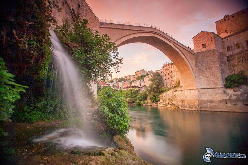 Stari Most, vattenfall, Neretva, Mostar