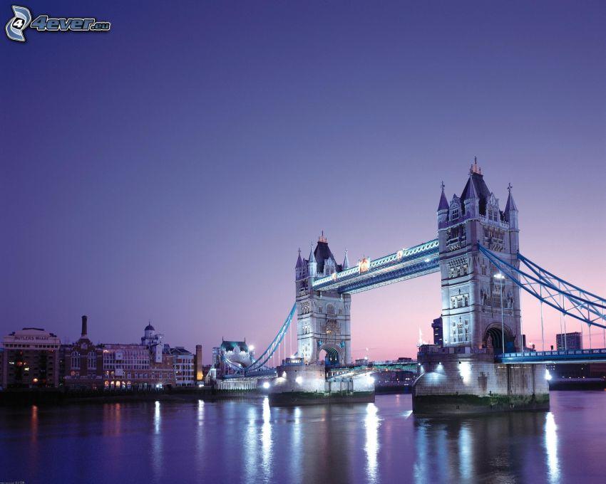 Tower Bridge, upplyst bro, Thames, kvällsstad, lila solnedgång